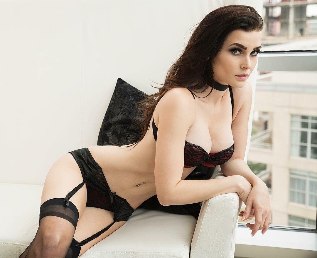 Niece Waidhofer sexy black lace lingerie