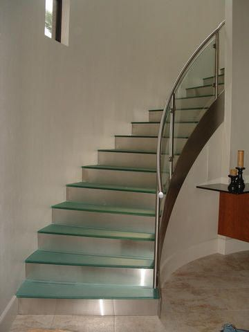 Curved Glass Stair Balluster
