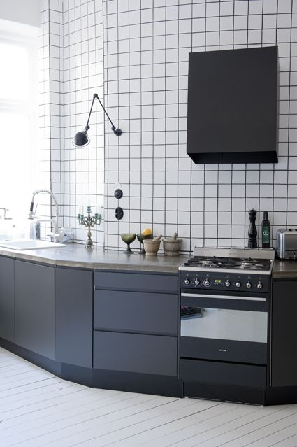 Kitchen PickyLiving IKEA kakel svart kk smeg Skna Hem  Hemma i 2019  Kitchen cabinet