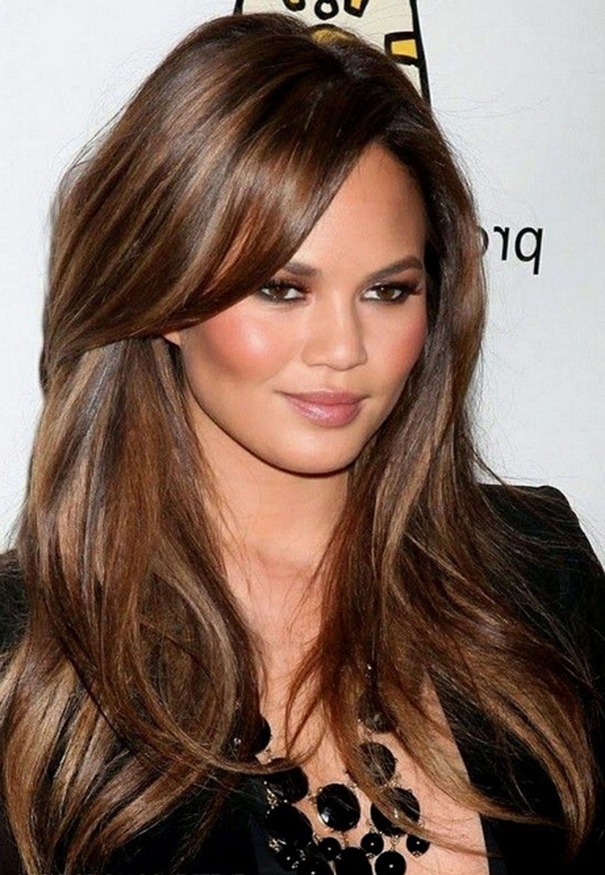 Top Celebrity Hair Color Trends For Spring And Summer 2020 | Brunette hair color with highlights ...