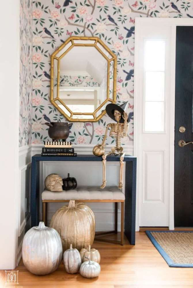 Frighteningly Elegant Halloween Decor Ideas - The Clever Side