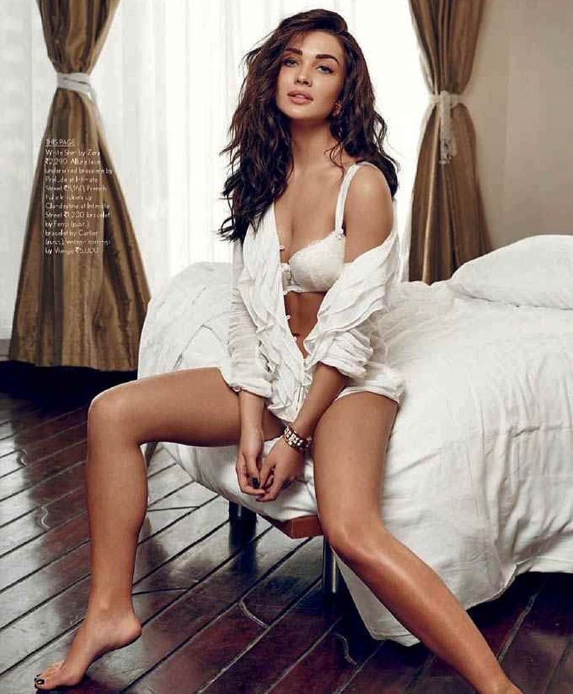 Feet Amy Jackson nude photos 2019