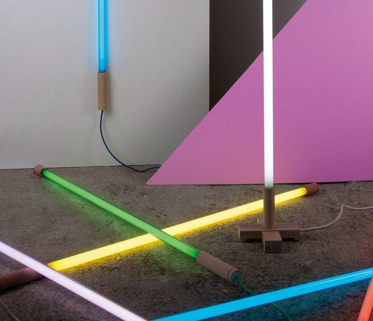 lampadaire fluorescent linea by seletti design alessandro zambelli selab design pinterest. Black Bedroom Furniture Sets. Home Design Ideas