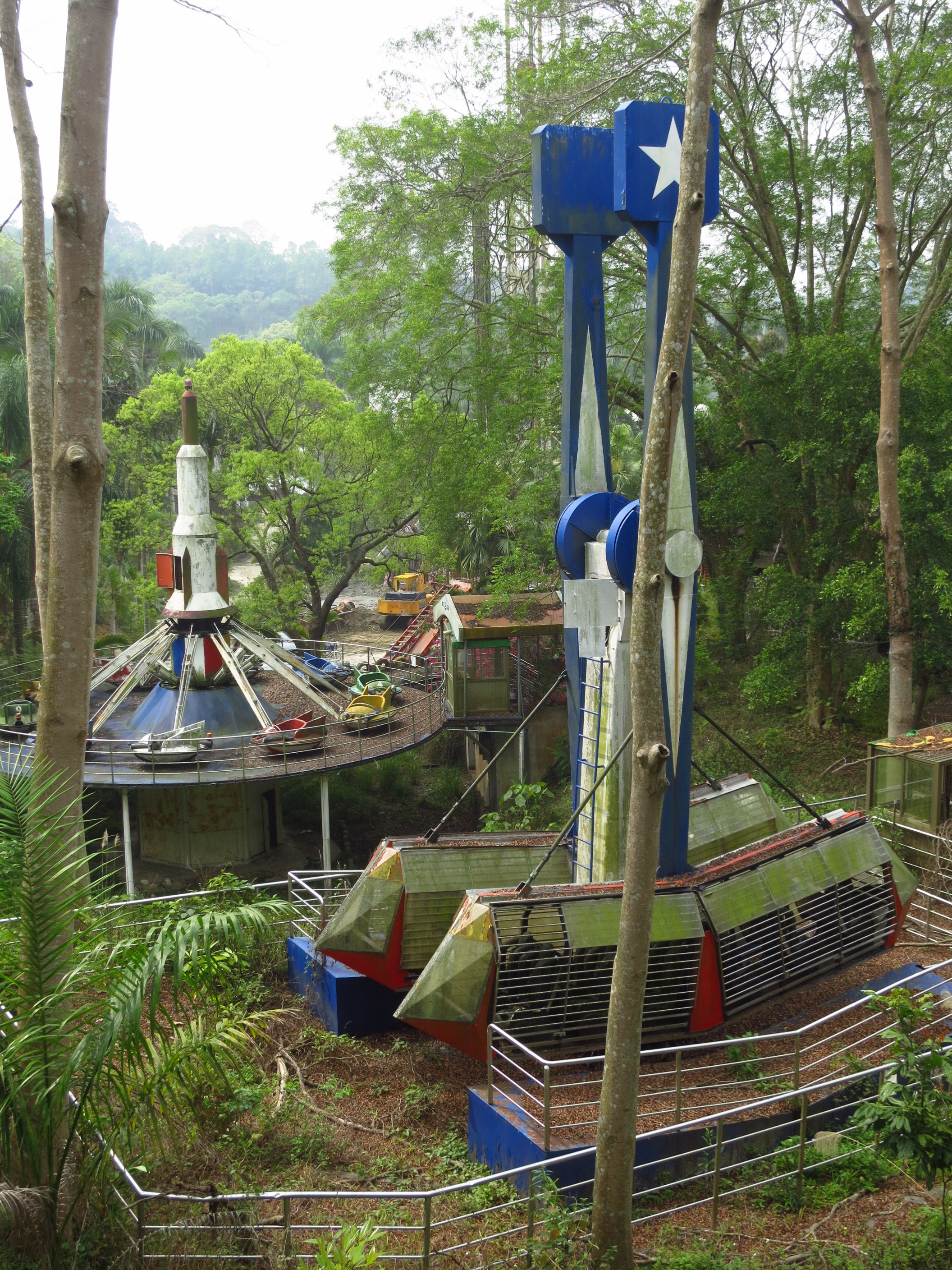 Encore garden taichungs atmospheric abandoned theme park city sciox Choice Image
