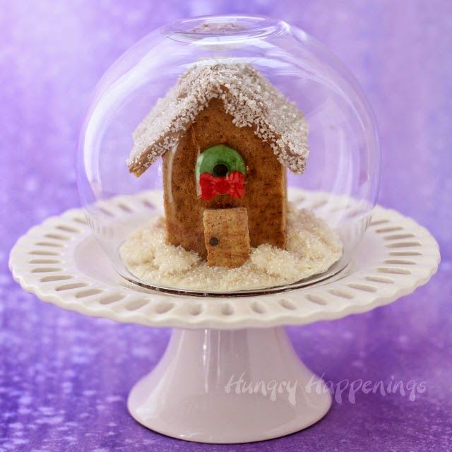 Graham Cracker House Snow Globe for Christmas | HungryHappenings.com