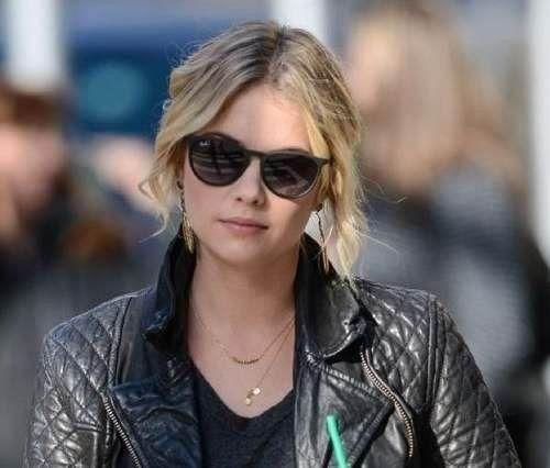 985b3ac80d850 Amazon.fr offers the Ray-Ban RB4171 Women s Erika Wayfarer Sunglasses for  €56.74.