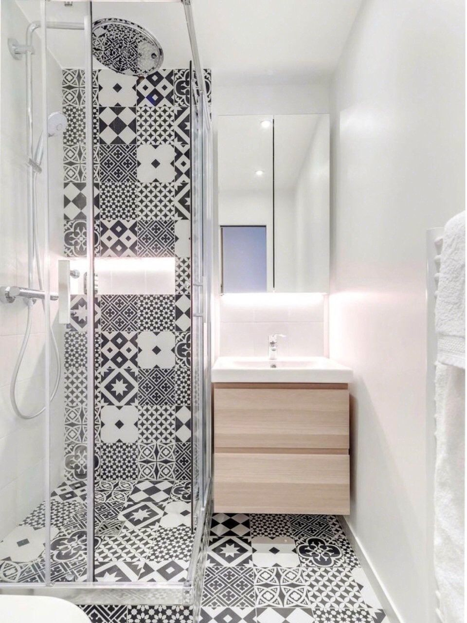 15 long narrow bathroom ideas that are functional and