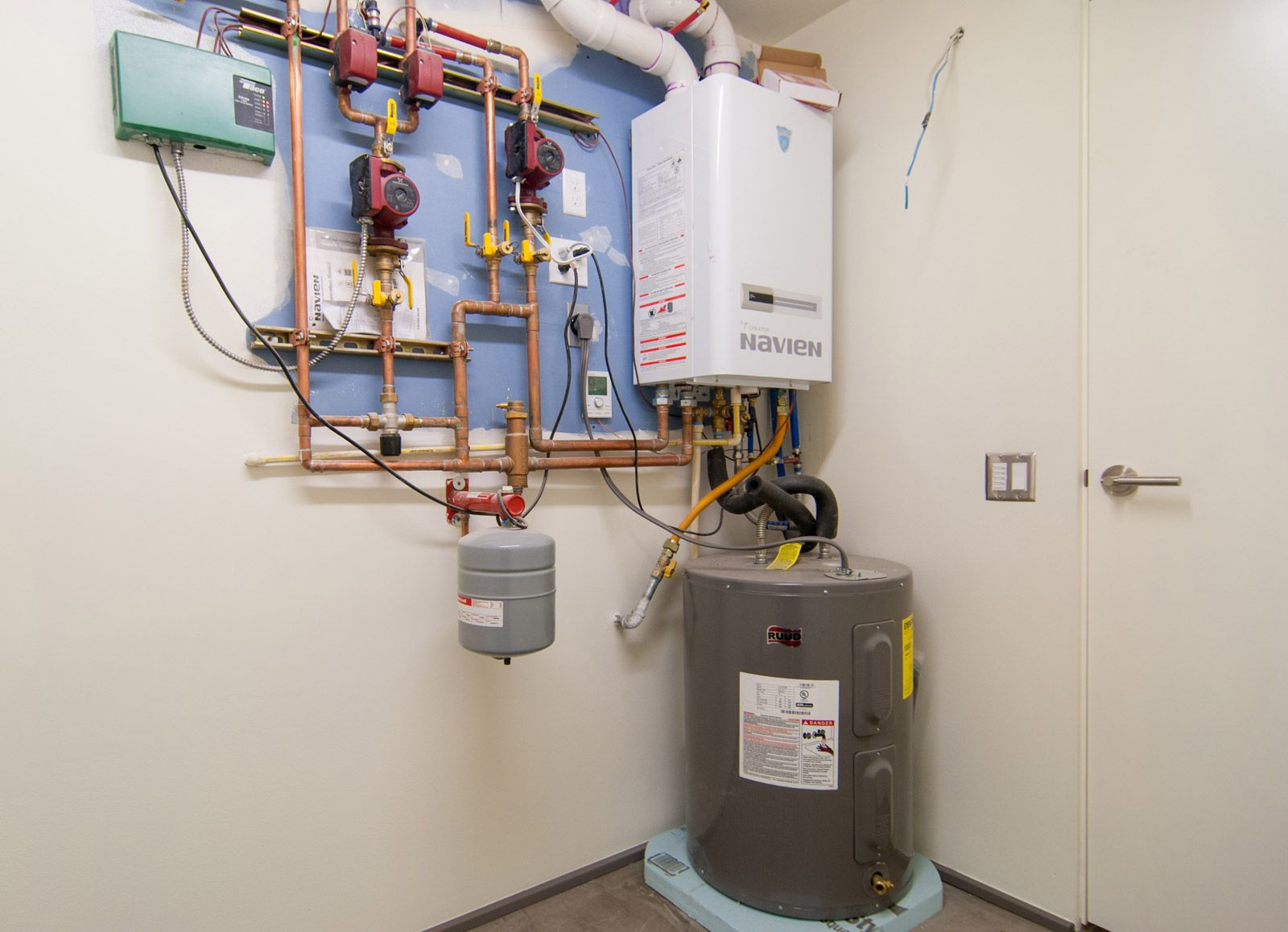 BUILDLLCradiantheat09 Radiant floor heating, Home
