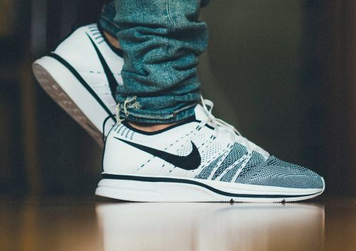 sweetsoles:Nike Flyknit Trainer White/Black (byDaniel Cheng)