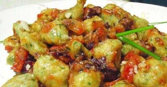 Cantinho Vegetariano: Nhoque de Inhame e Rúcula ao Molho de Tomate e Azeitonas (vegana)