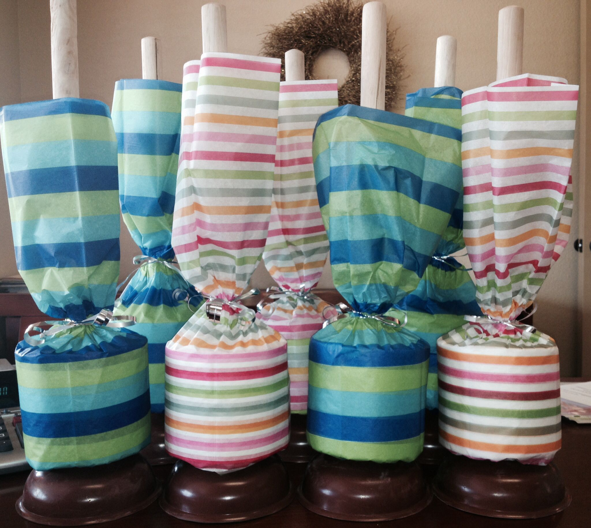 Easy DIY new move in gifts Tissue paper, ribbon, plunger & toilet ...