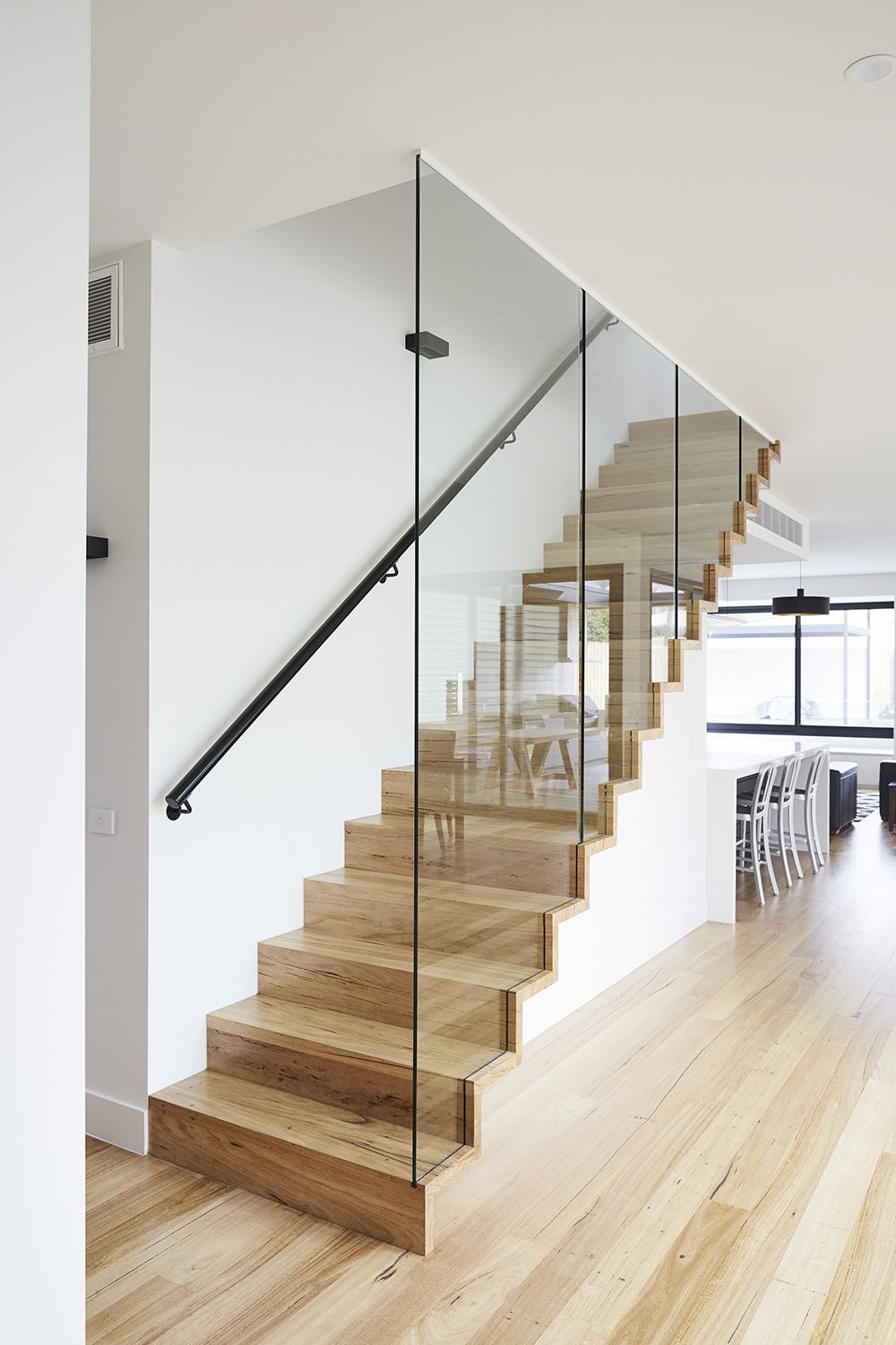 Best Closed Stairs Butted Treads Glass Balustrade Steel 640 x 480