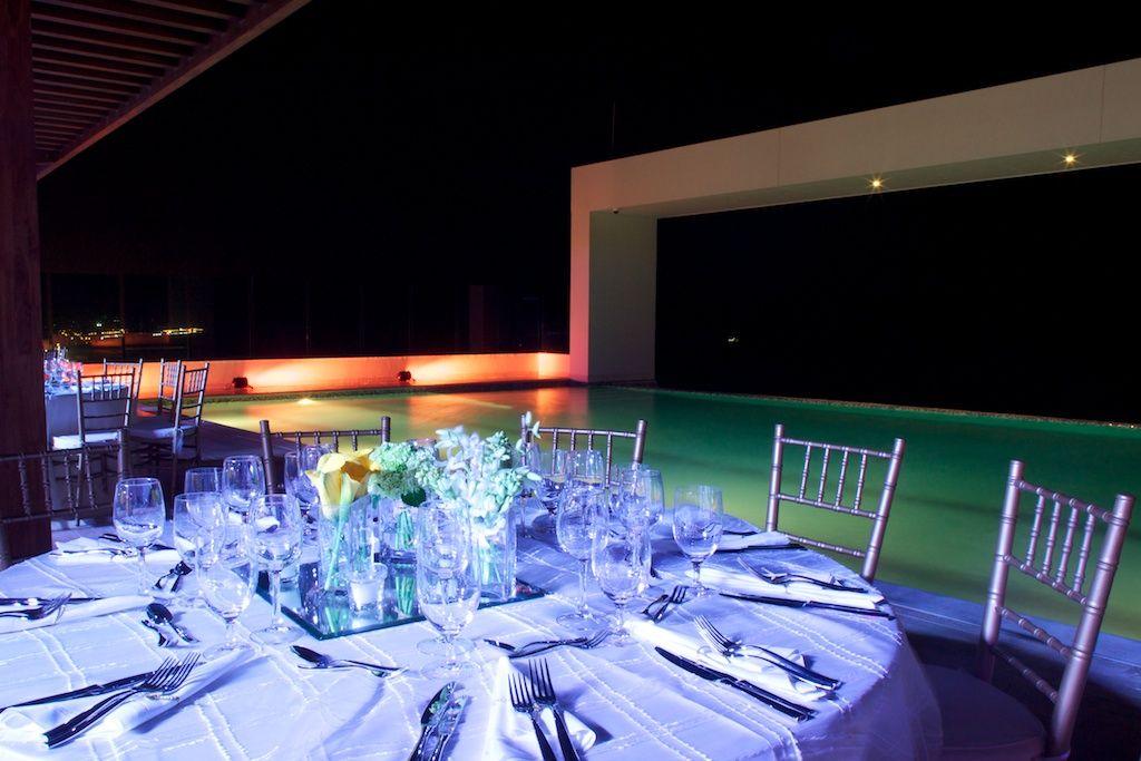 Recepci n boda en piscina de borde infinito piso 10 de for Piscina torre del mar