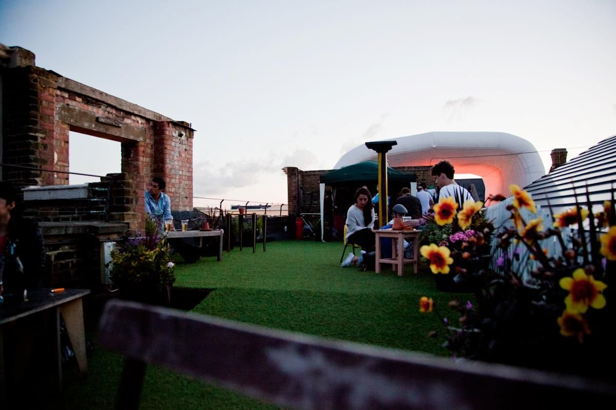Dalston Roof Park Hackney London Bar Reviews Designmynight Best Rooftop Bars London Bars London Rooftops