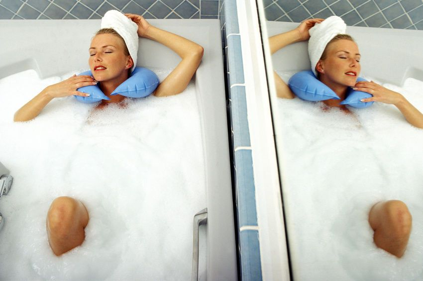 Check Out The appealing Features Of Massaging Bath Pillow ...