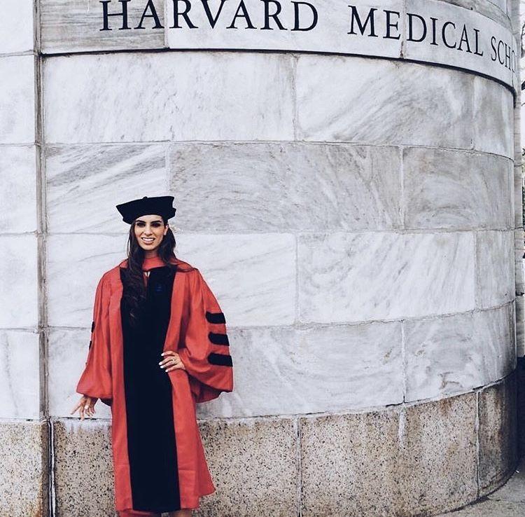 🌻 @notgivinmyname | SCHOOL | Harvard medical school, Medical school