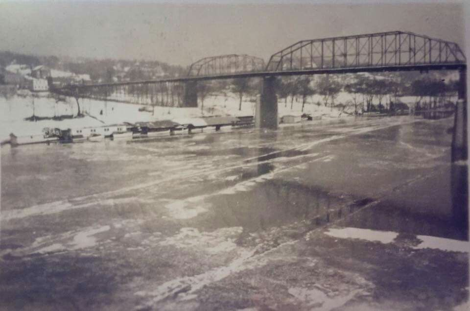1940 river frozen | chattanooga in 2019 | Downtown