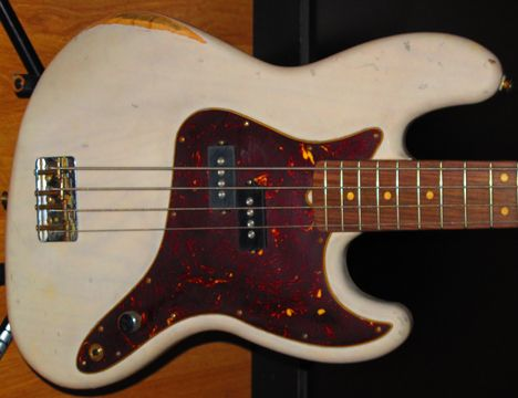 Mark Hoppus Signature Fender Bass Custom Road Worn Finish