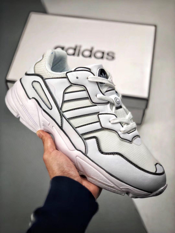 new styles add8f 0f415 Pin de Boas Rodrigues De Souza em Sneakers em 2019  Adidas originals,  Adidas e Sneakers