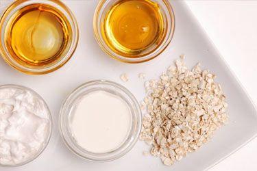 8 DIY oatmeal, milk, banana, and honey face mask recipes for dry skin