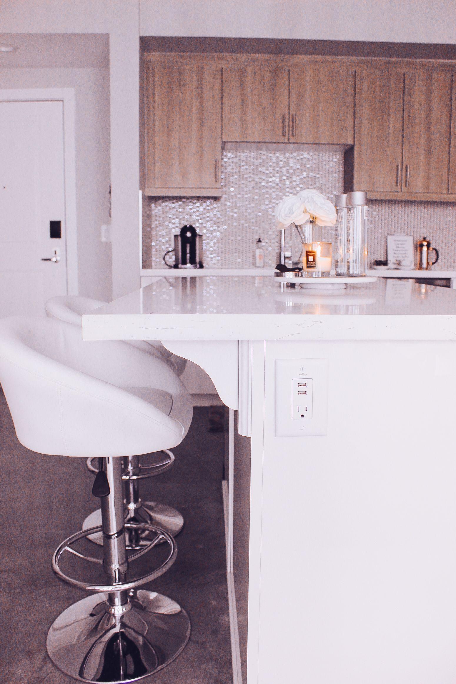 blondie in the city | minimal home decor | kitchen decor | white