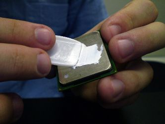 Manutenção de PCs: aprenda a aplicar pasta térmica no processador