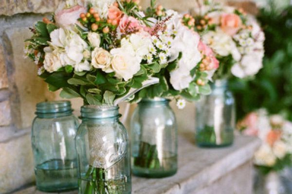 Looking for rustic spring wedding ideas? Here are 7 fresh ways to ...