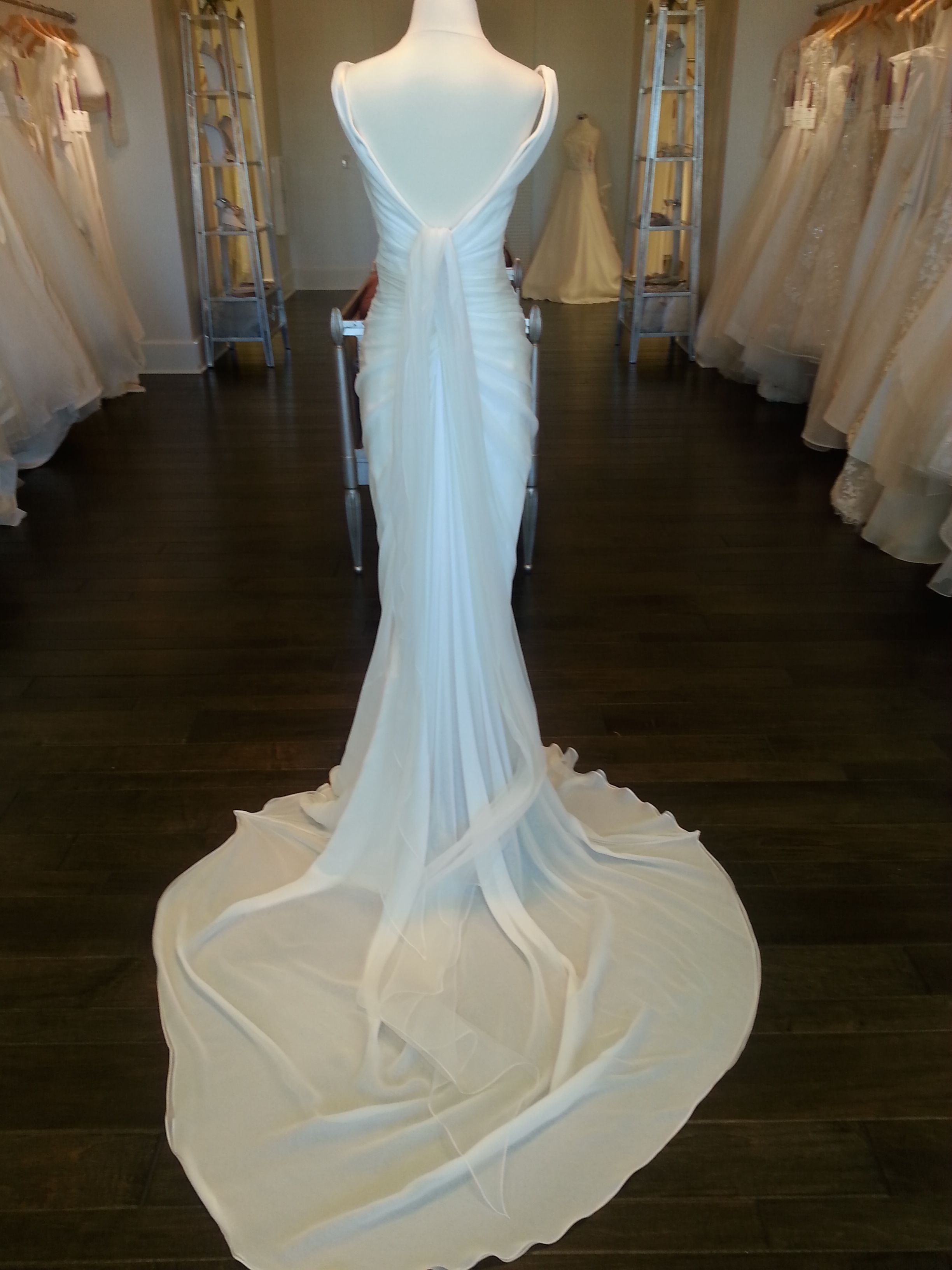 Le Spose di Gio P12 Size 4 Wedding Dress | Wedding dress, Wedding ...