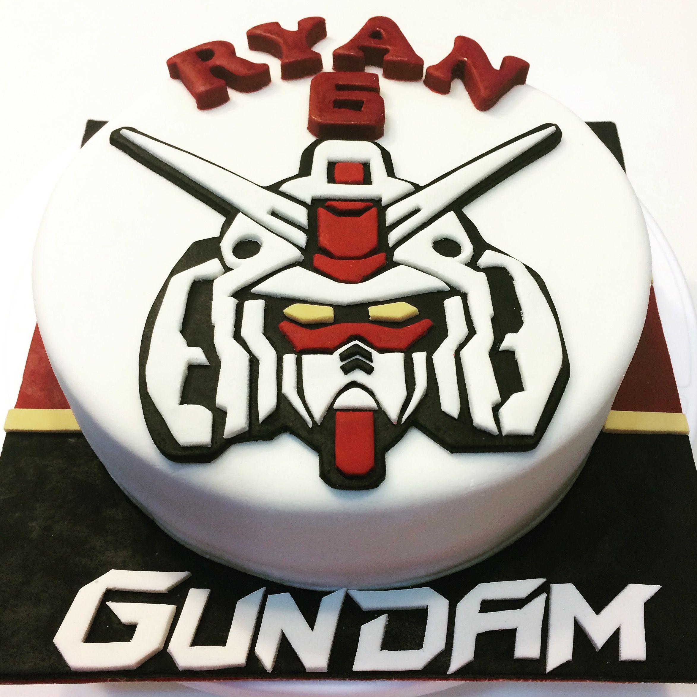 Gundam Themed Fondant Cake Themed Birthday Cakes Pinterest