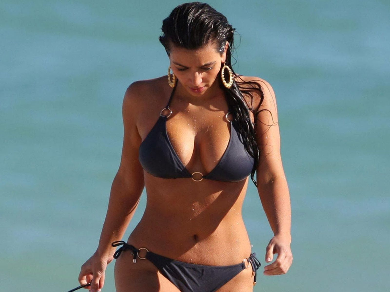 Opinion you Kardashian bikini wallpapers