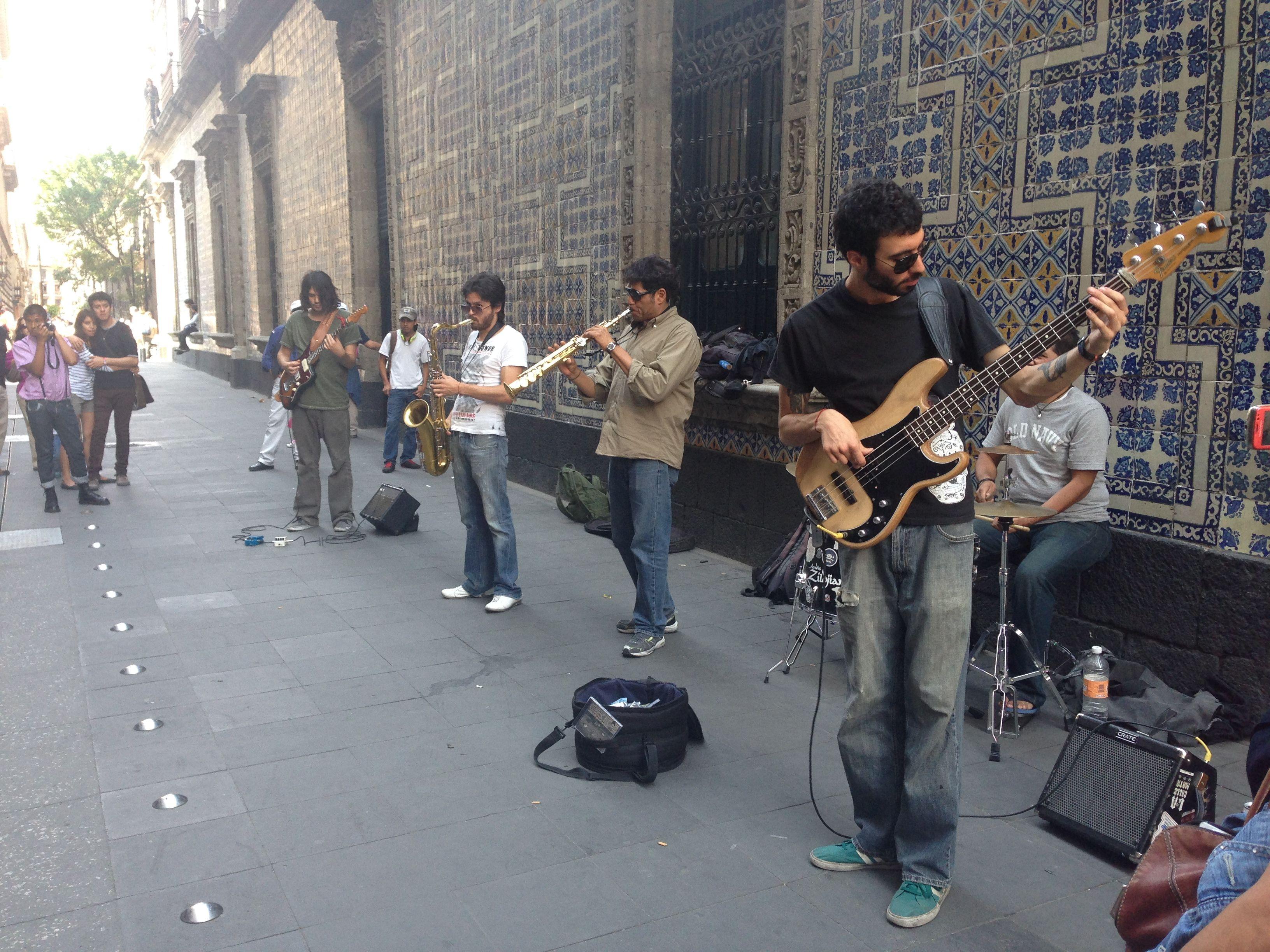 Música en la calles del Centro Histórico del DF.