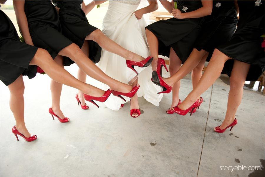 Robe blanche chaussures rouges