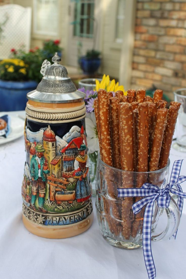 Bavarian Oktoberfest Party - Decor to Adore #octoberfestfood