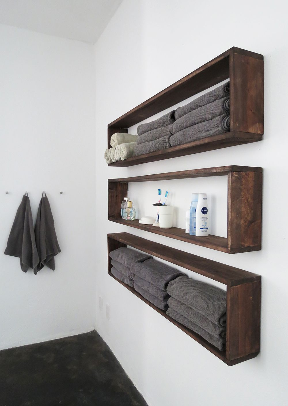 Who need extra storage everyone i guess so i made those wall shelves to organize the bathroom but you can use them in any room the