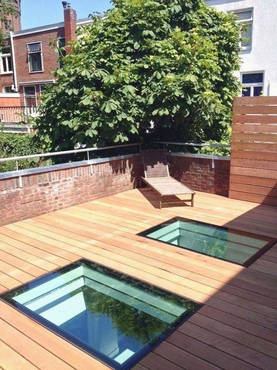 Rooftop Wood Patio As Well As Glass Railing Take Full Advantage Of The View Bordering This Contemporary House Rooftopi Patio Roof Terrace Design Roof Terrace