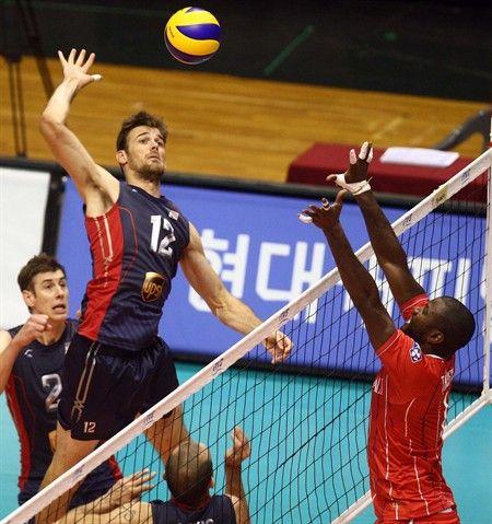 Usa Men S Volleyball Team 2012 Mens Volleyball Volleyball Team Usa Volleyball