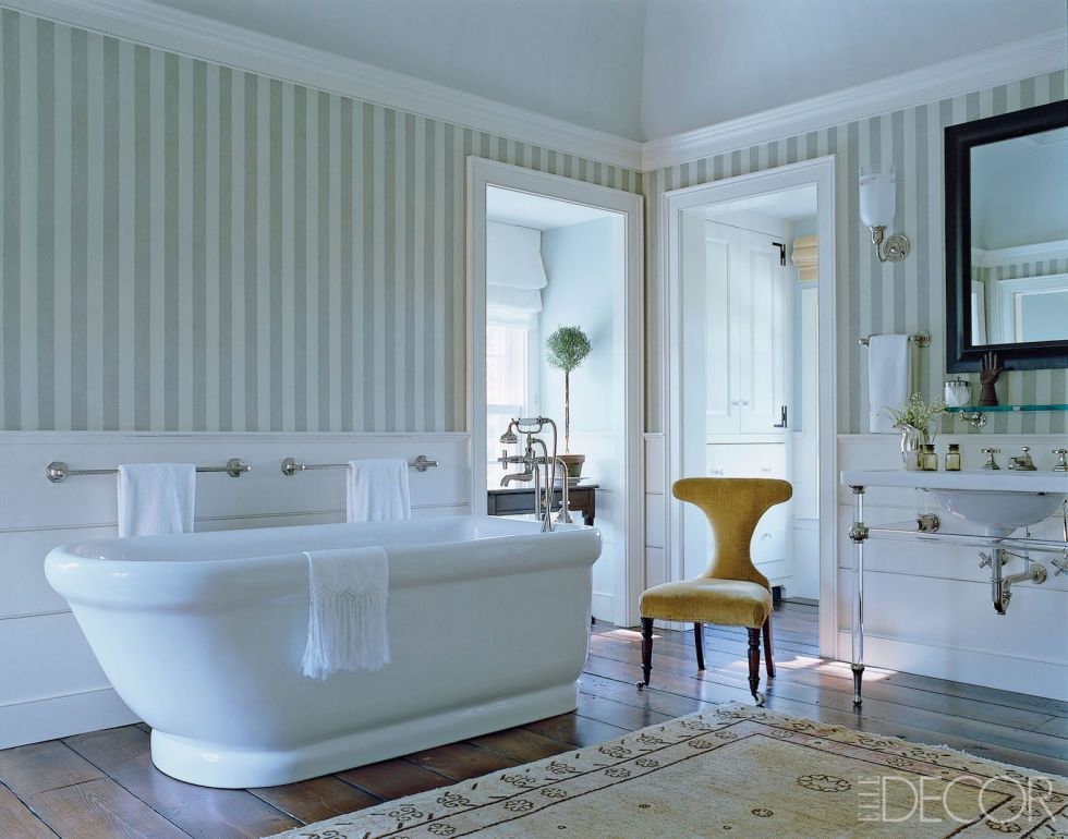 15 Whimsical Wallpaper Ideas For Your Bathroom