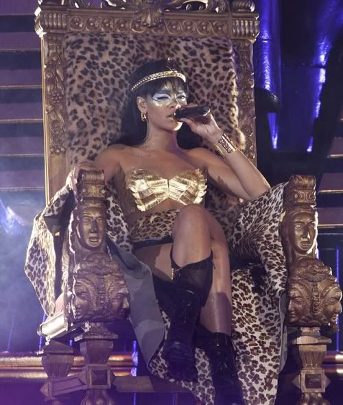 Rihanna CHANNELS Cleopatra For Gala Performance & PARTIES All Night in NYC