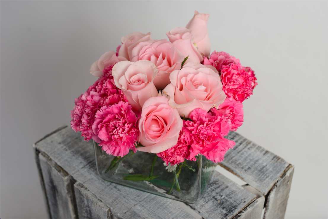 Rosas y claveles rosas centros de mesa boda pinterest girly