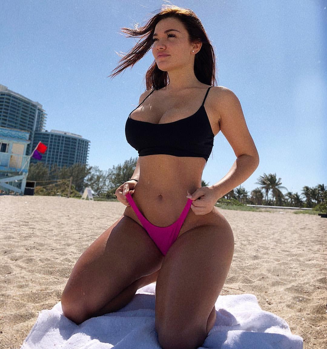 Cleavage Genesis Mia Lopez naked (24 photos), Ass