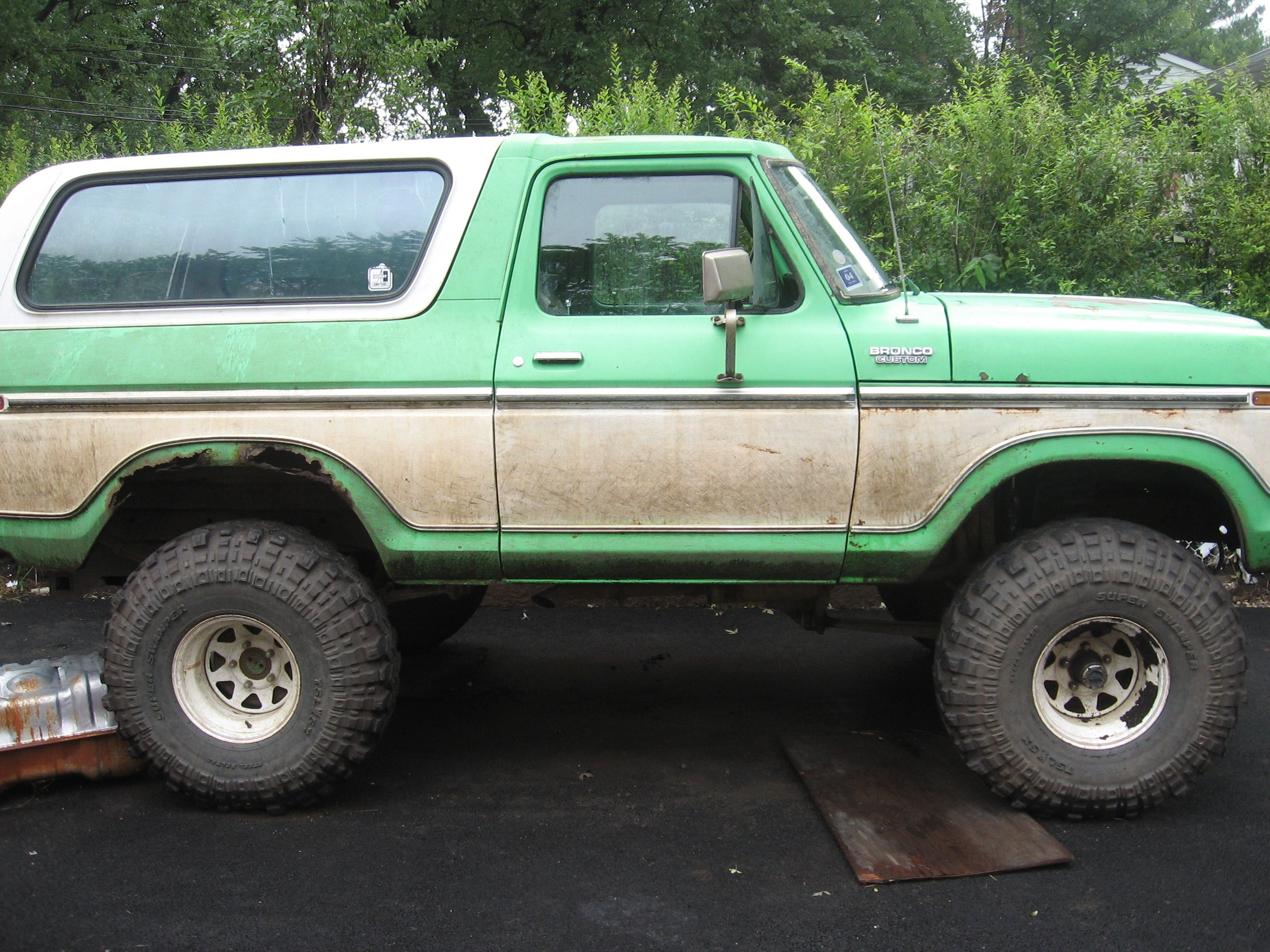 Green And White Two Tone Mudder Lifted Ford Bronco Ford Bronco