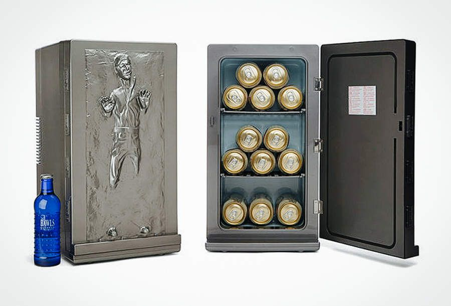 Mini Kühlschrank Für Bier : The han solo mini fridge freezes your beers in carbonite