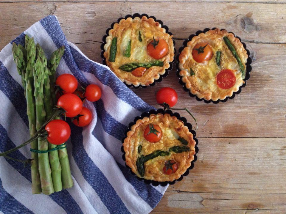 Quiche con asparagi, Leerdammer e ciliegino. http://chicchidimela.wordpress.com/