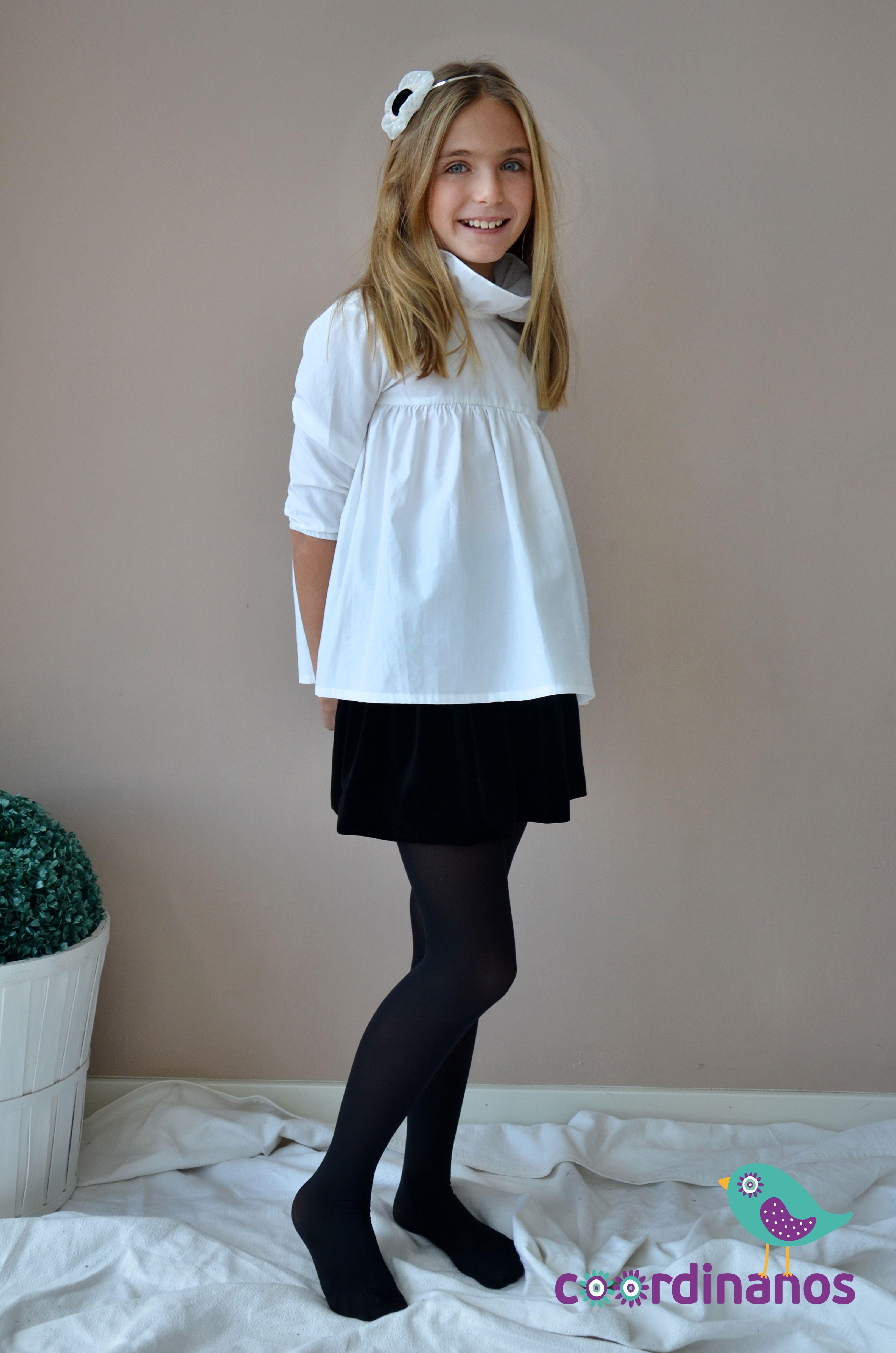 Camisa básica con cuellos y falda de terciopelo negra. Conjunto Katia