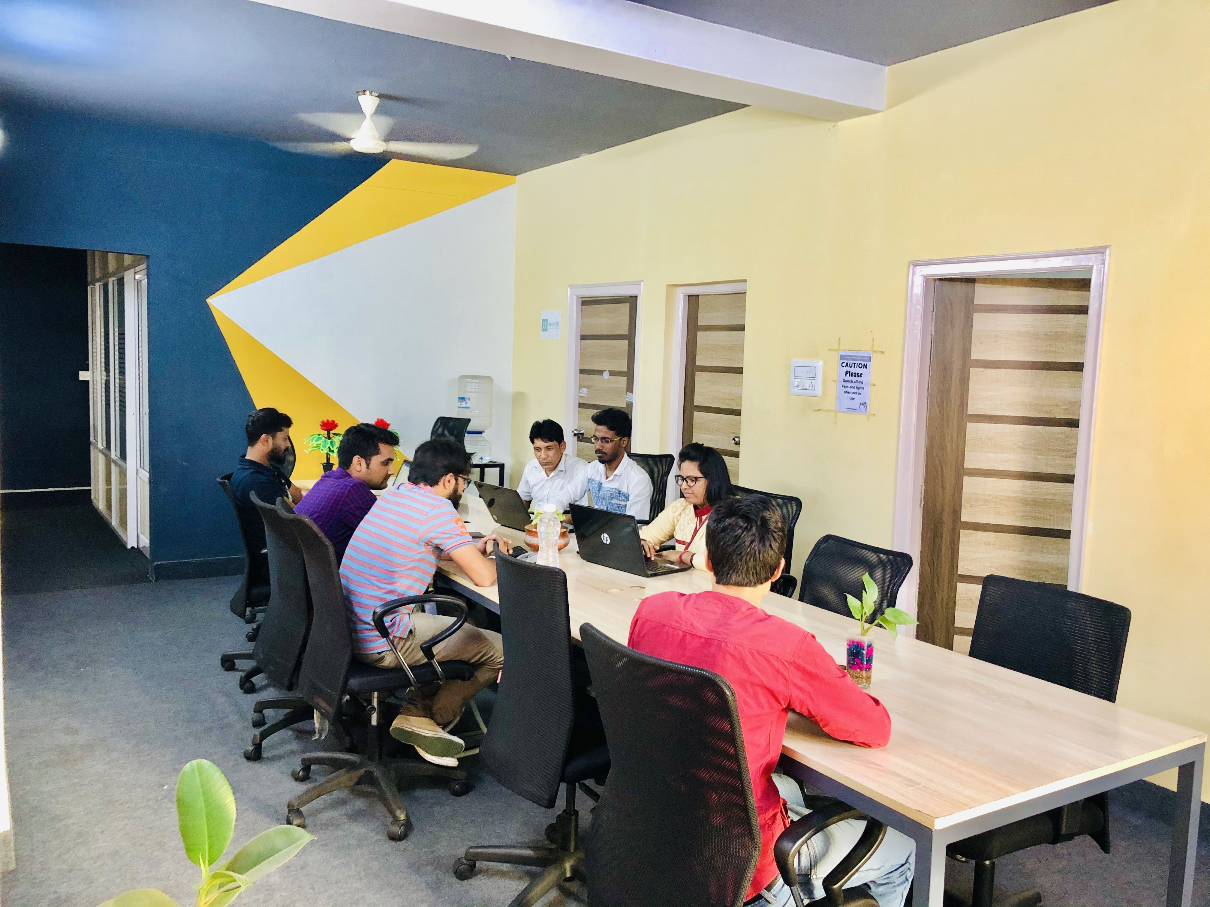 Affordable Co Work Spaces Excellent Customer Service Shareofficesolutions Com Cool Office Space Shared Office Space Cool Office