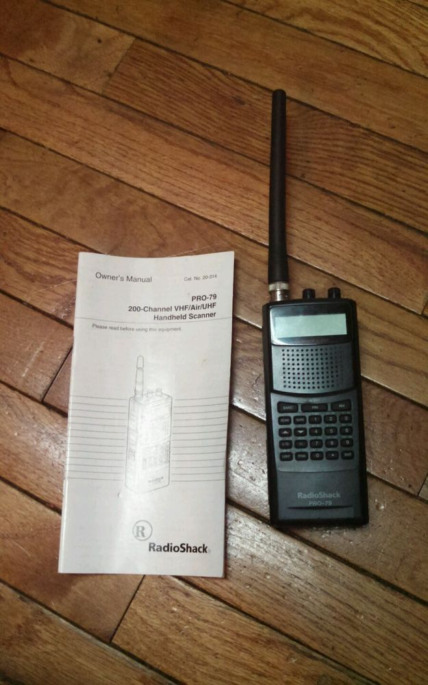 Radio Shack Pro 79 200 Channel UHF VHF Air Handheld Scanner W