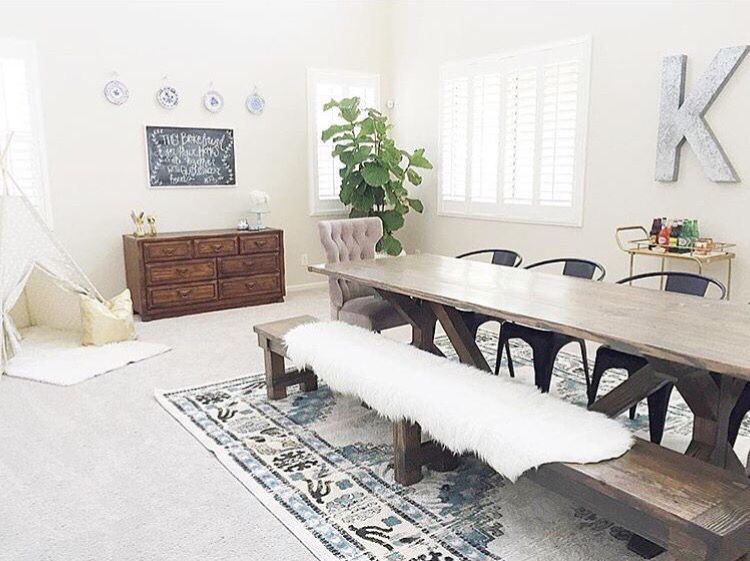 Love the rug and table!