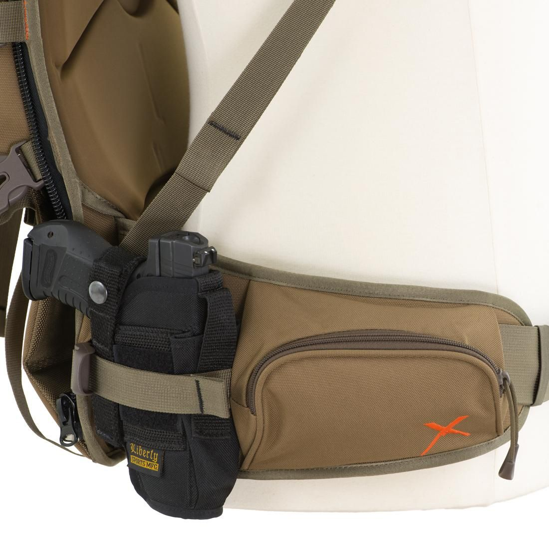 Amazon Com Alps Outdoorz Extreme Commander X Frame Pack Coyote Brown Sports Amp Outdoors Sling Backpack Alps Coyote