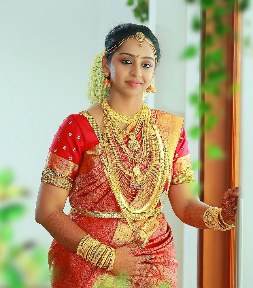 Wedding Hairstyle For Kerala Bride: Wedding Kerala Bride Gold Photos - Google Search