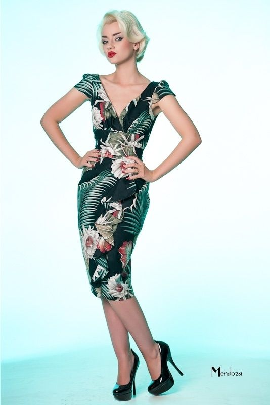 3cc56584099a Vanity Project, Hawaiian Dress in Tropical Palm Print. | Vintage ...